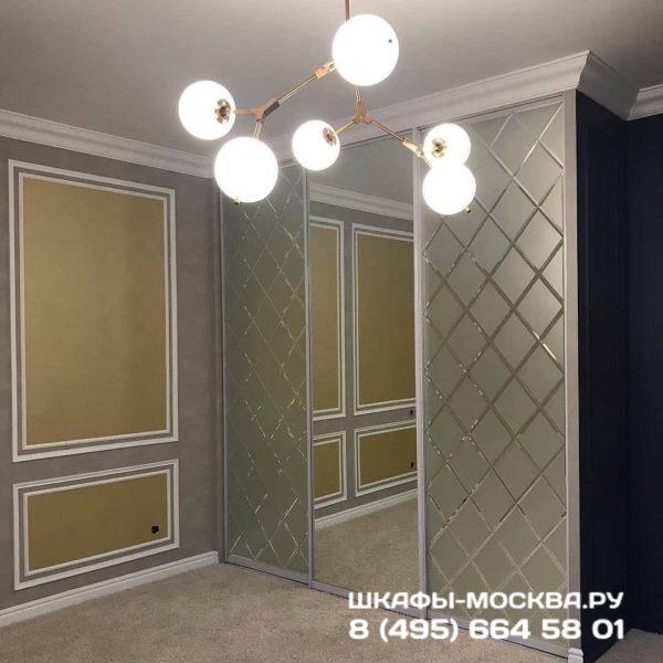 Шкаф зеркальный 003