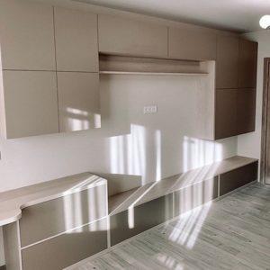 Шкаф в гостиную 010