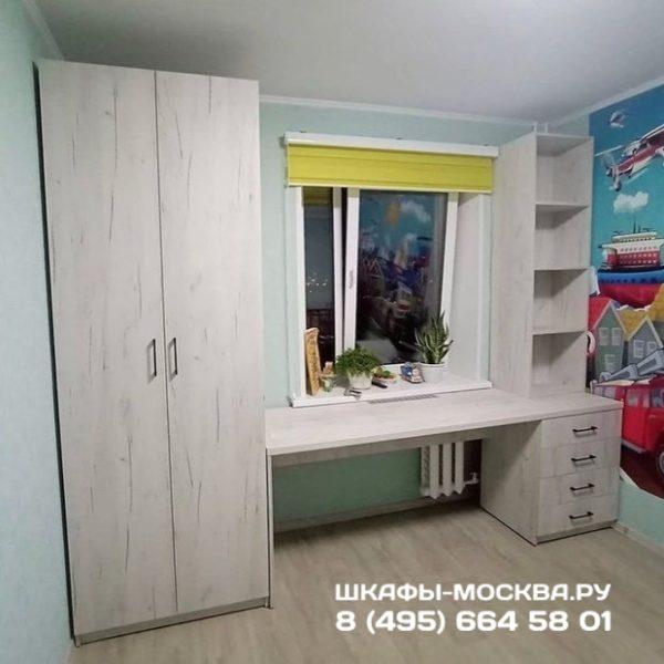 Шкаф вокруг окна 004