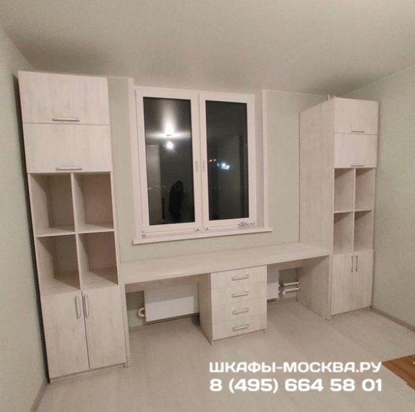 Шкаф вокруг окна 006