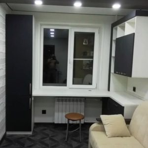 Шкаф вокруг окна 007