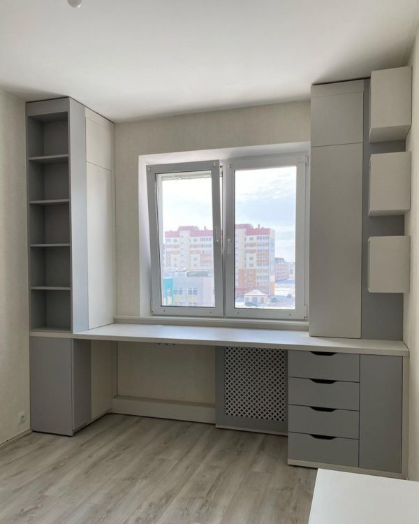 Шкаф вокруг окна 012