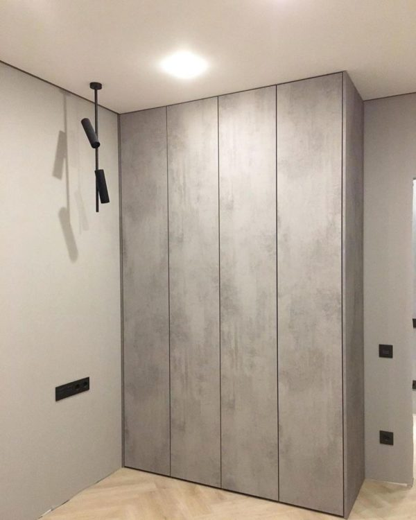 Шкаф до потолка 020