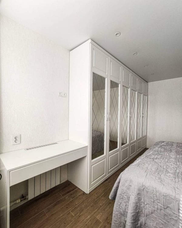 Шкаф в спальню 017
