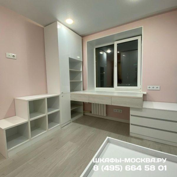 Шкаф вокруг окна 033