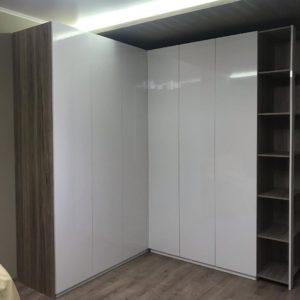 Шкаф угловой 021
