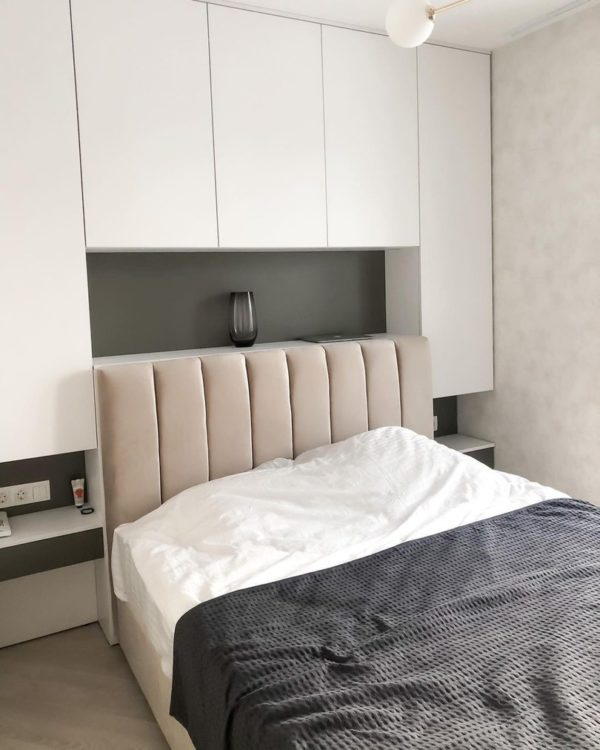 Шкаф вокруг кровати 004