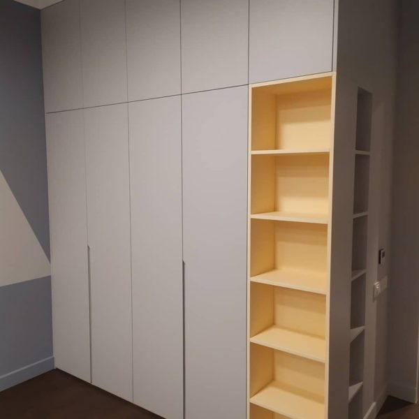 Шкаф в эмали 015