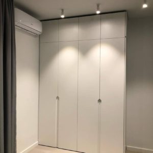 Шкаф в эмали 020