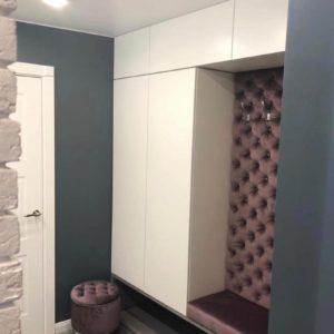 Шкаф в прихожую 025