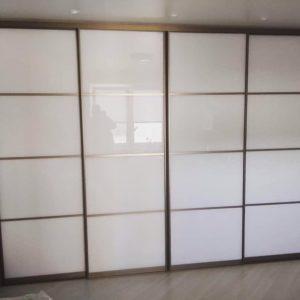 Шкаф в нишу 012