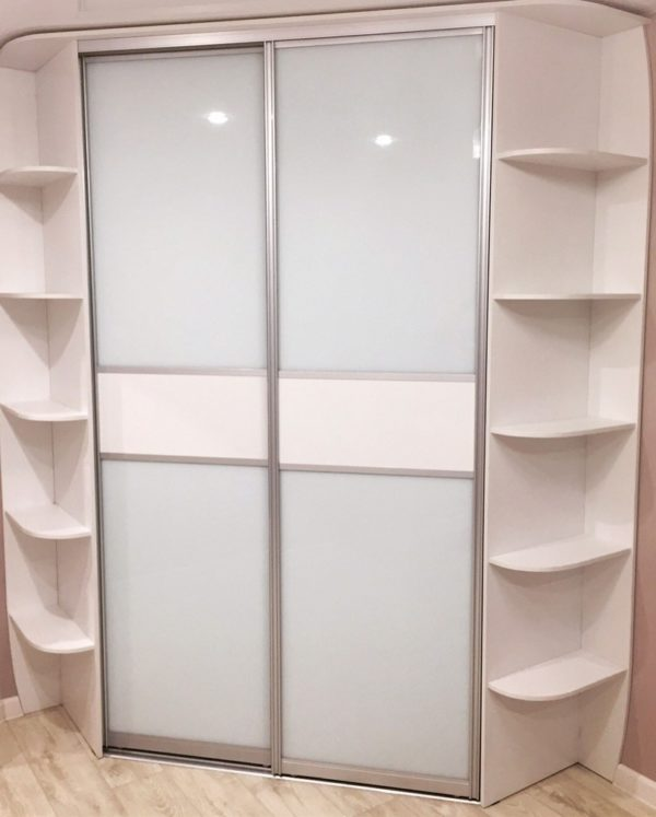 Шкаф до потолка 015