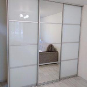 Шкаф зеркальный 020