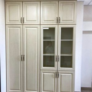 Шкаф со стеклом 001