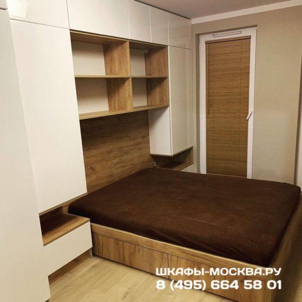 Шкаф вокруг кровати 018