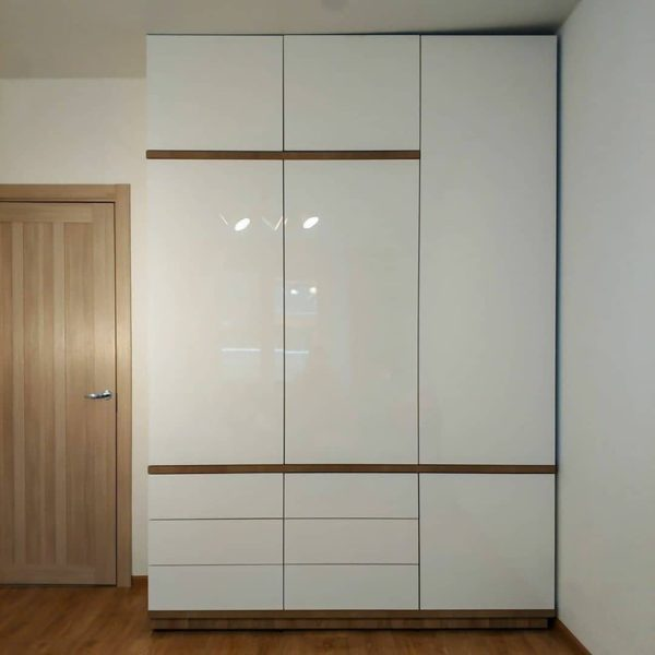 Шкаф в спальню 025