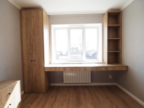 Шкаф вокруг окна 044