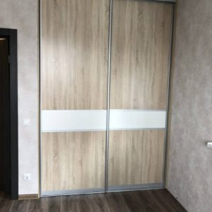 Шкаф в нишу 023