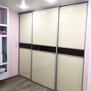 Шкаф в нишу 024